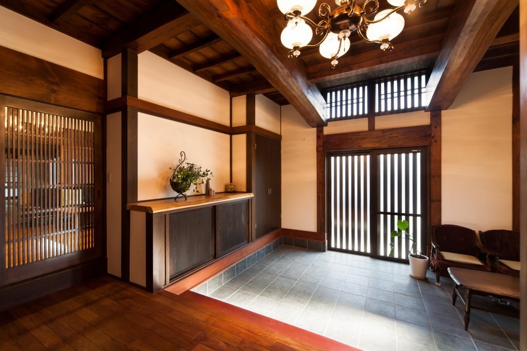 築220年けやき造りの古民家  「江戸末期の土間を平成のゲストルーム」へ