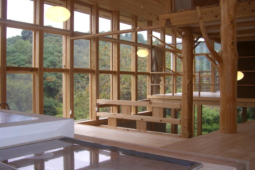 自然の中で暮らすワンルームの家